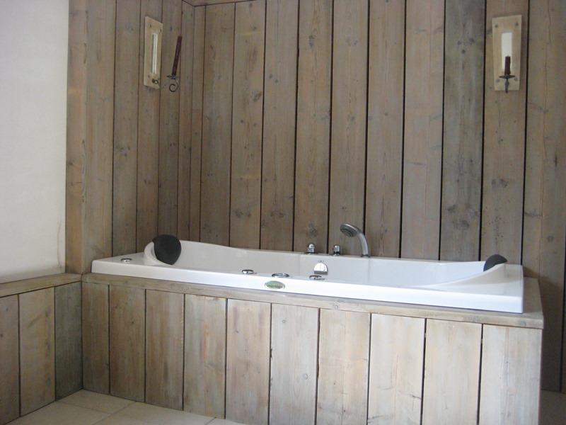 Houten Wandbekleding Slaapkamer : Slaapkamer steigerhout behang voor ...